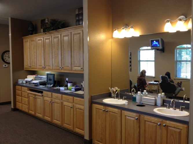 Gallagher Orthodontics tooth-brushing and hygiene area in Grapevine, Texas