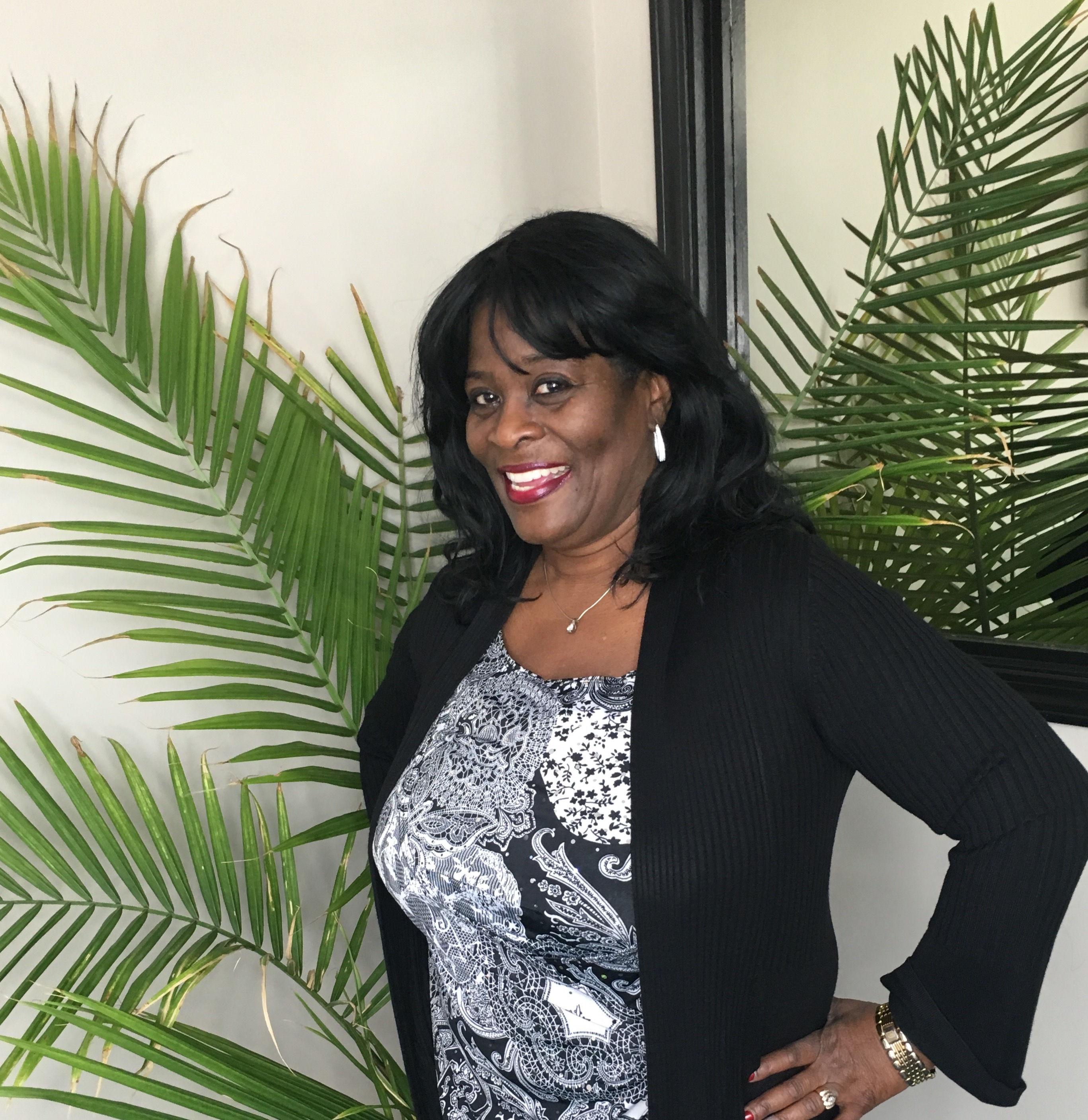 Meet Chicago Cosmetic Dentist - Dr. Zenobia Sowell